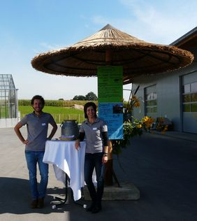 Mitarbeiter bei der Eröffnung des Levita Lehmwerks